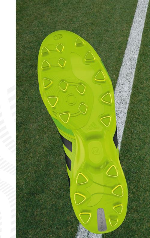 Adidas Kunstrasenplatzschuhe mit AG System
