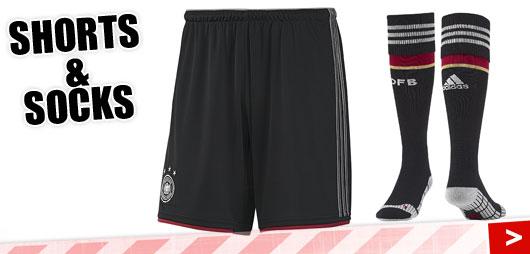 Adidas DFB Short und Socks Away zum Auswärtstrikot