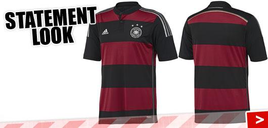 Adidas DFB Auswärtstrikot im Statement Look