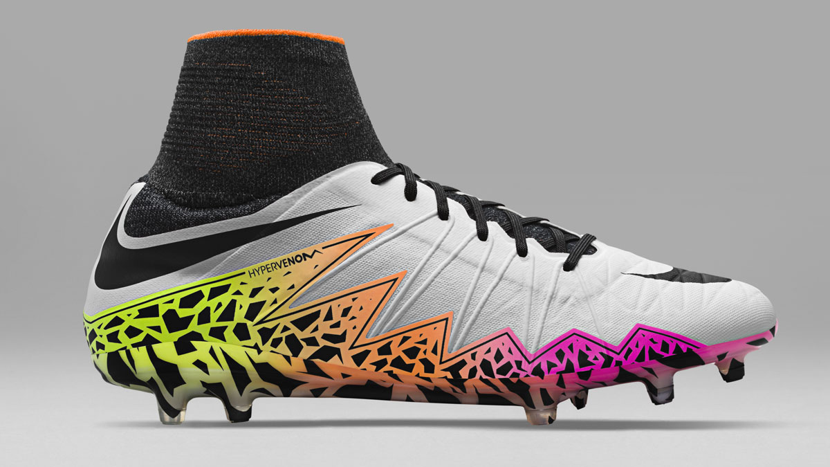 Nike Hypervenom Phantom II und Phinish Nike Radiant-Reveal Pack