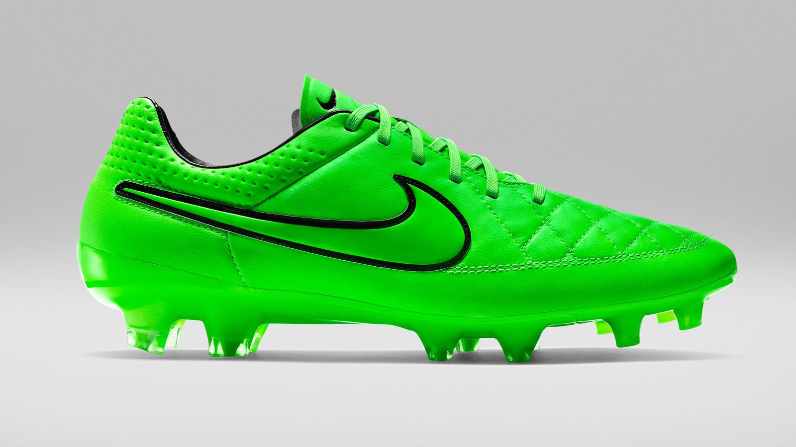 Nike Lightning Storm Pack Tiempo FG Hyper green