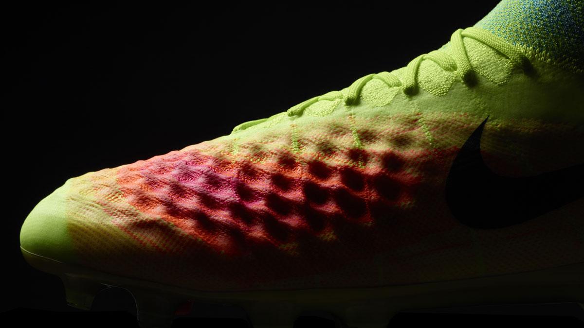 Nike Magista Nike Pitch Dark Fussballschuhe kaufen