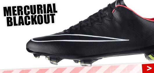 Die Nike Mercurial Vapor Blackout als komplett schwarze Fußballschuhe